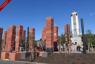 Pukeahu National War Memorial Park commemorates more than 300,000 New Zealanders who served their country and the 30,000 who died, particularly during the First World War.